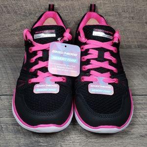 Skechers New World Sport Women's Size 7 W/Box